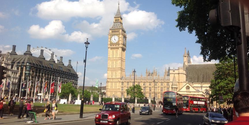 let at tilslutte sig i london